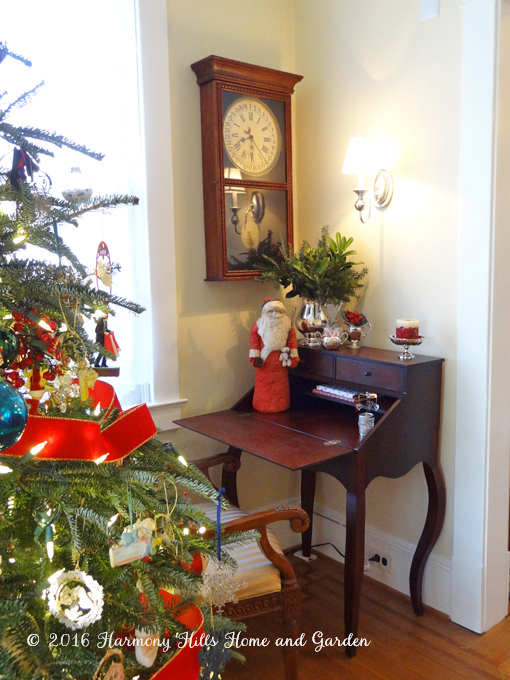 Traditional Christmas Living Room decorating ideas